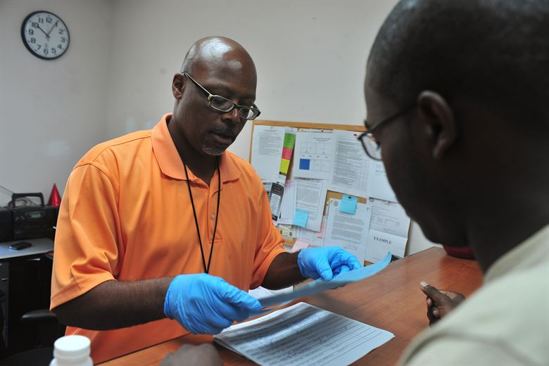 How to Perform Random Drug Testing in a Drug Treatment Facility